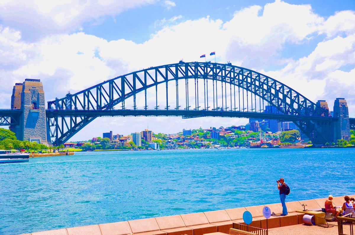 "That ""Postcard"" moment #sydney #sydneyaustralia #sydneyharbour #sydneyharbourbridge #visitaustralia #sydneyoperahouse #seeaustralia #brisbane #brisbaneriver #exploresydney #ig_discover_australia #discoveraustralia #aroundtheworld #travelgram #travelrhythmpic.twitter.com/aIq8UJbwdE"