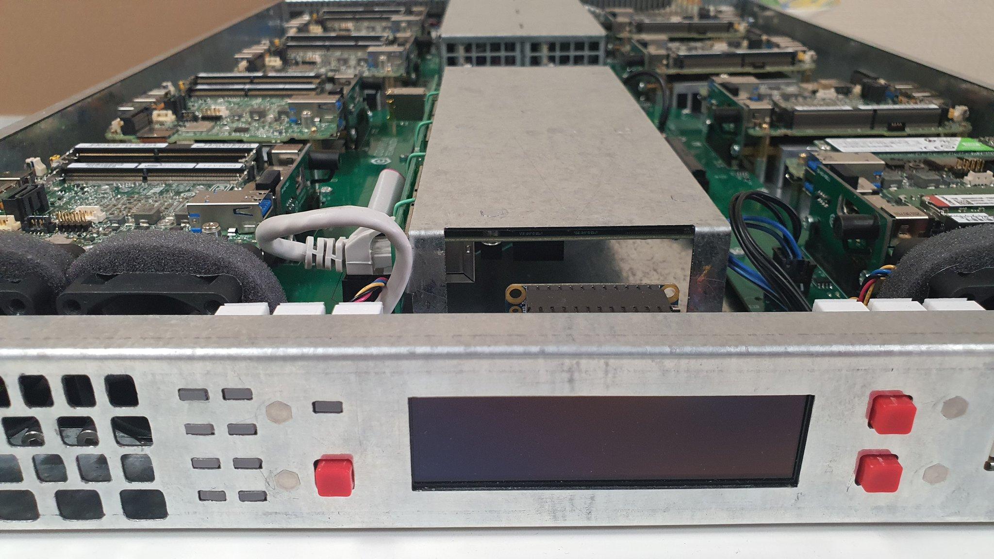 Сервер на базе Intel NUC