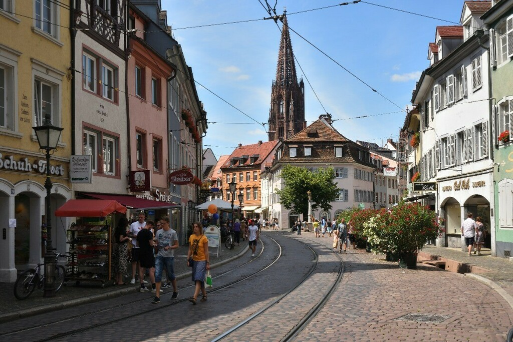 Oberlinden #freiburg #germany #deutschland #europe #photo #photography #picture #nikon #nikonfoto #nikonphotography #nikonphoto #nikonphoto_ #zoomnl #iamnikon #nikonfotografie #nikonnl #nikkor #flickrfeature #beautiful #city #cityphotography #citylife #s… https://instagr.am/p/CDJCnSHBHXU/pic.twitter.com/yJk9DhzEJM