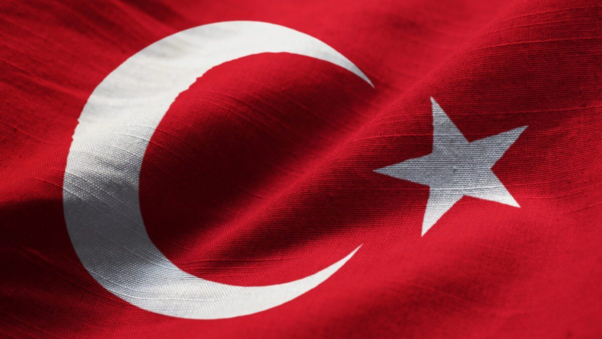 Milletimizin başı sağ olsun..!  Mersin'in Mut ilçesinde meydana gelen kaza sonucu şehit olan Mehmetçiklerimize Allah'tan rahmet, kederli ailelerine sabırlar, yaralı askerlerimize acil şifalar dilerim. https://t.co/KXnQmE5sh6