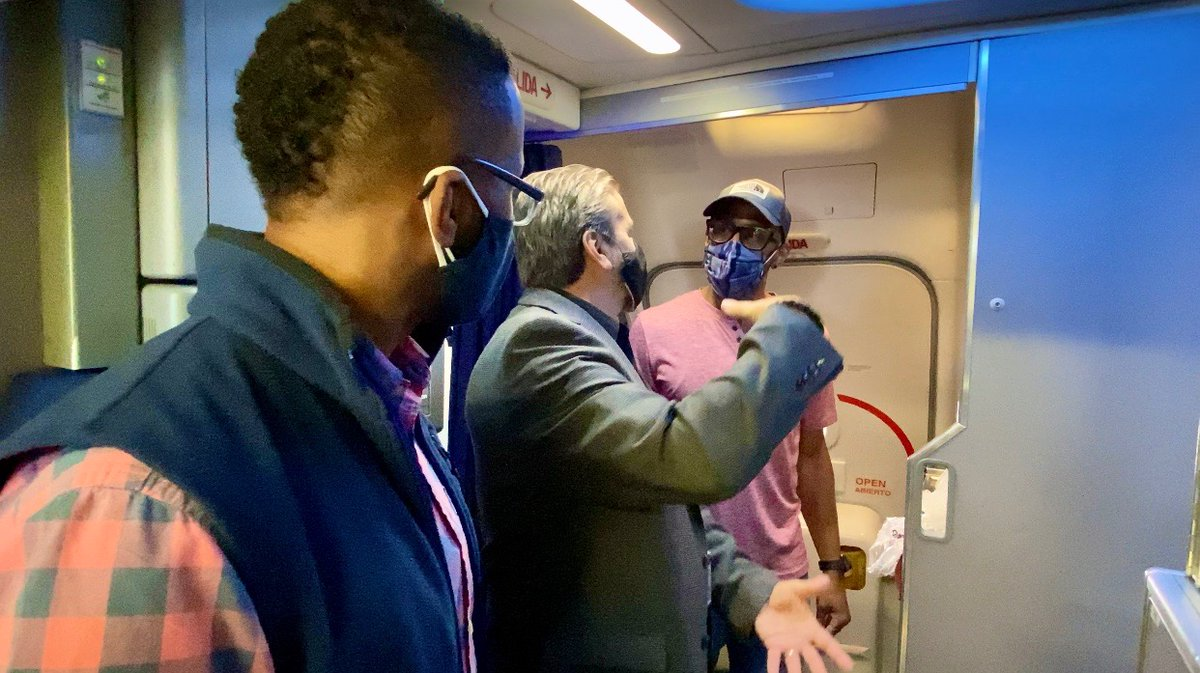 #UnitedAirlines gave us behind the scenes access at #LAX highlighting the steps they're taking to make flying as safe as possible during the #COVID19 #Pandemic. Keep an eye, the VLOG is coming soon! #TheTwinDoctors #TwinDoctorsTV #TwinDocsTravel #travel #travelblogger #traveling https://t.co/OzmjGtzgYQ