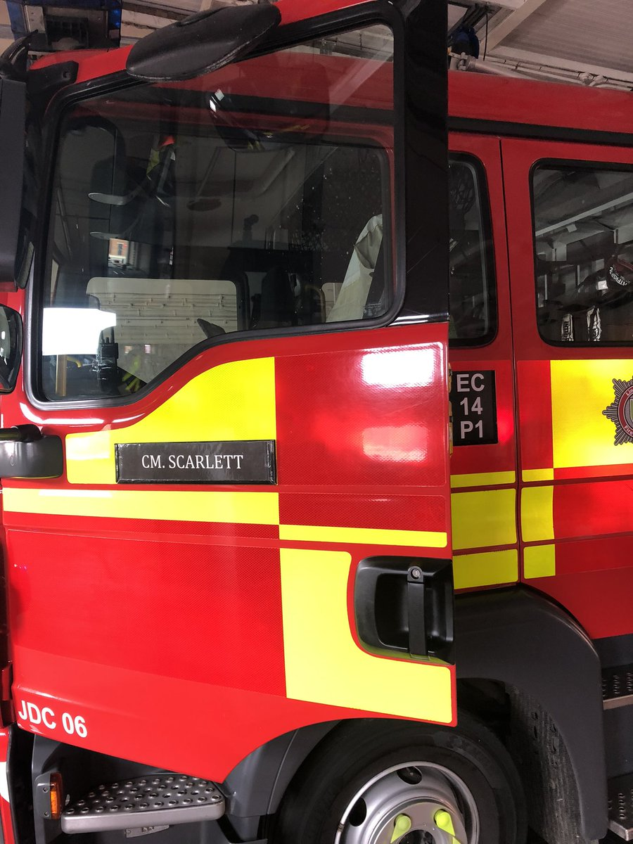 A day of emotions as we said goodbye to a much loved colleague and friend to @LincsFireRescue. It was with great sadness, mixed with memories of smiles and laughter that Pete went out on his last shout. Our fire family will always be here for Jackie and Scarlett. @granthamfire https://t.co/kDclRXRTsU