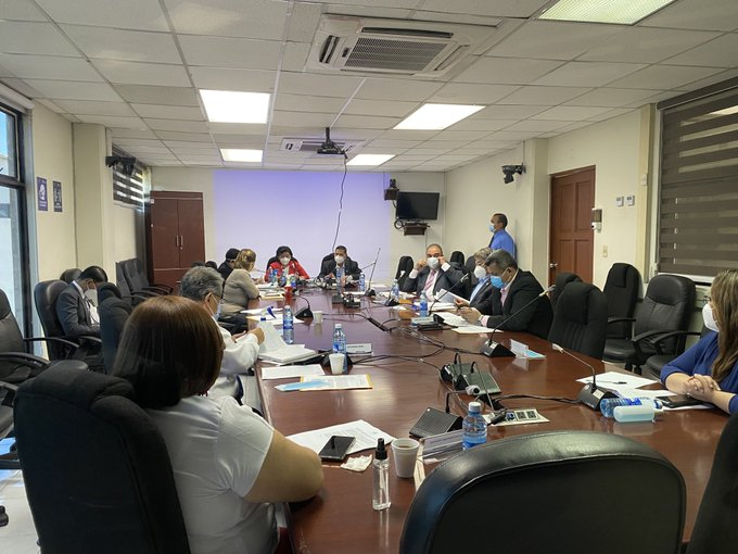 Congreso: evalúan compensación económica a familiares de personal médico fallecido por Covid-19