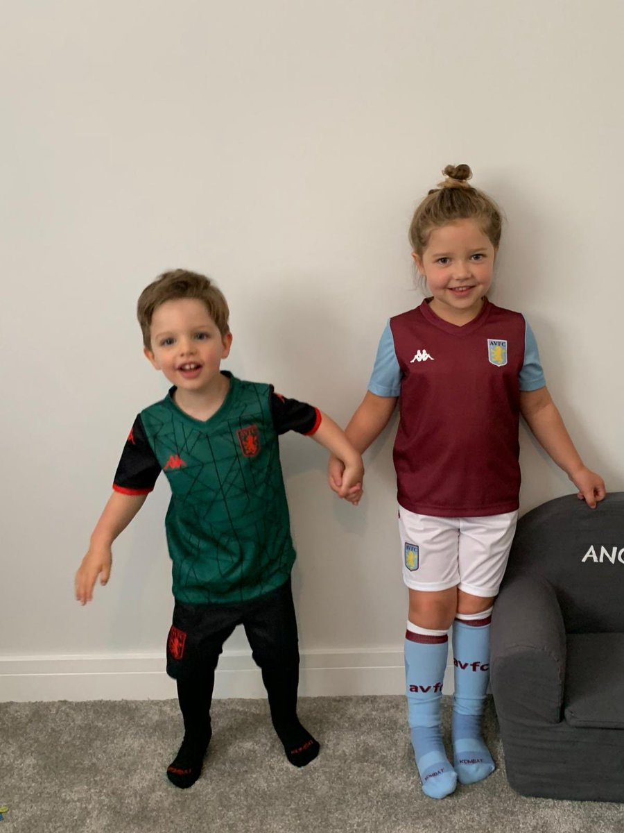 Start them young 💗💙 @AVFCOfficial #UTV