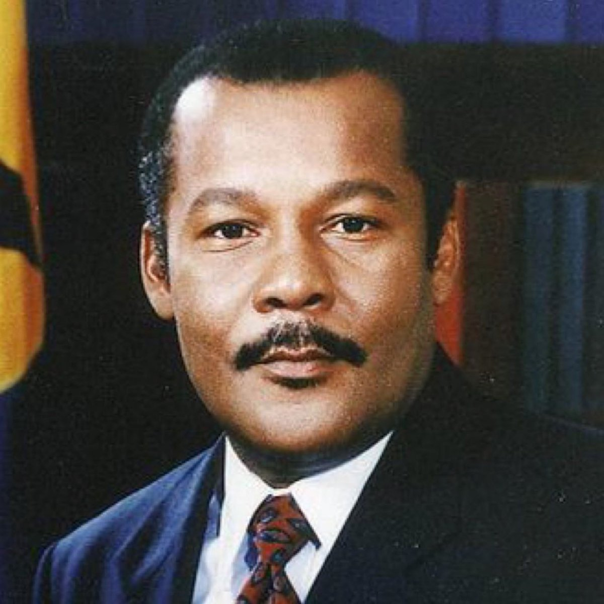 Today Barbados lost one of our greatest leaders, the Honorable Mr. Owen S. Arthur! A true hero! My thoughts are with his family and the entire nation of Barbados! Rest In Paradise! 🇧🇧🇧🇧🇧🇧 https://t.co/uTYYdVj6i2