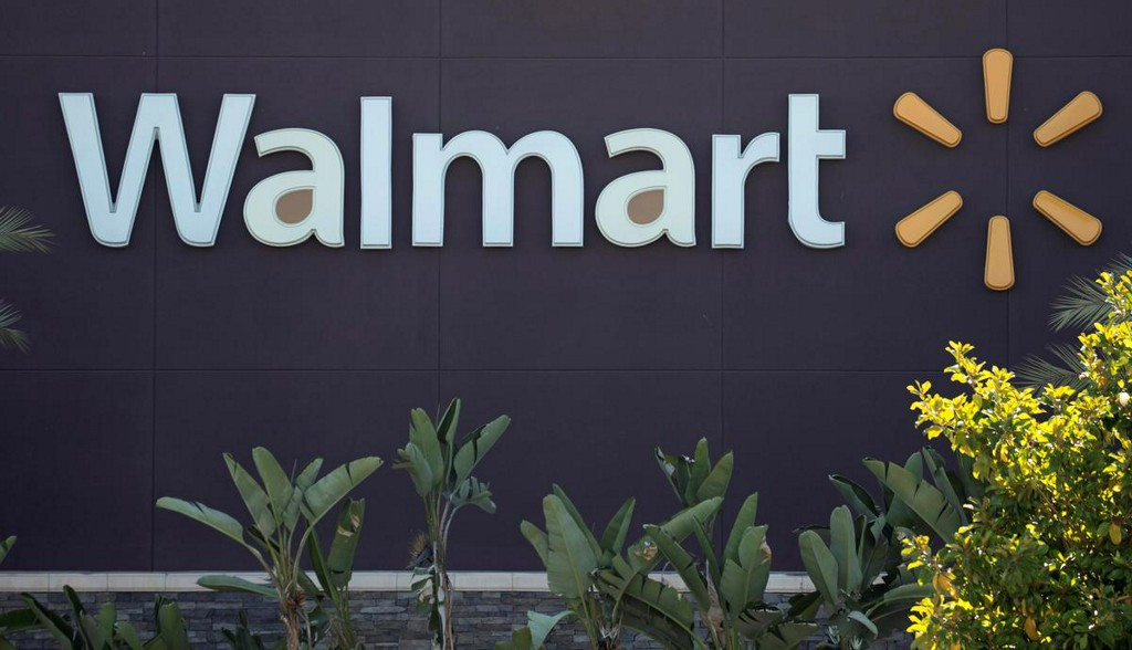 Major U.S. retailers Walmart, Kroger will require customers to wear masks https://t.co/eYxq0vYRtU https://t.co/KWLpOeb5Ki