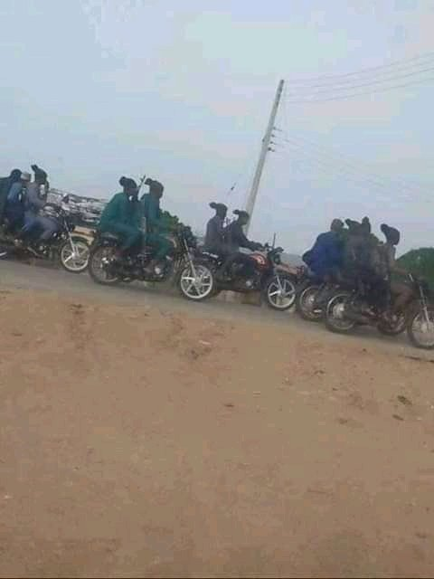 Killers are now patrolling the street as if they are the national Security. We are not Safe anymore..please #DonaldTrump help us #UnitedNations help us because we #RejectNigeriaNow  #BiafraExit https://t.co/YgOg3TCSCN