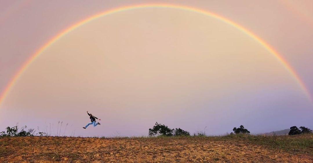 I find happiness in rainbow 🌈  📍 Sabah, Malaysia  Photo by @uncle_ben___  #KitaJagaKita #exploresabah #KKCity https://t.co/Cclz2OoLvU