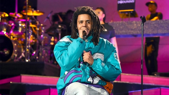 J. Cole's manager shut down rumors about an album releasing in the near future https://t.co/lttkRfTtVz https://t.co/vZNSilaooH