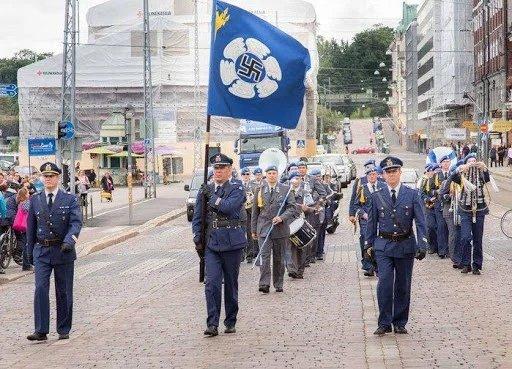 """✗นтթыйЁж Виктор on Twitter: """"Парад в Финляндии... Финские ВВС. Хотя в  2020г. отказались от свастики.… """""""