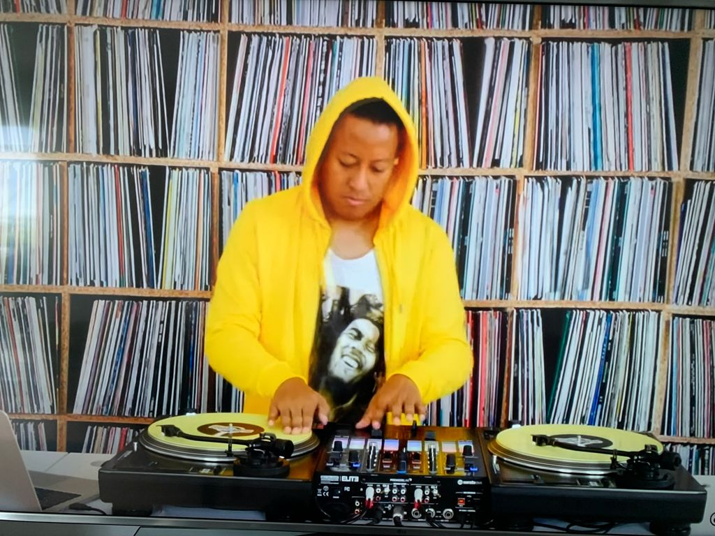 Watch that ! 2 months after, It's still my favorite #DJ #set of the moment DJ ANGELO - Riddim Rampage (Reggae x HipHop x Dancehall)  via @YouTube #DjJeggy #music #djlife #party #hiphop #Dancehall #club #djing #djlifestyle #newmusic #rnb #serato