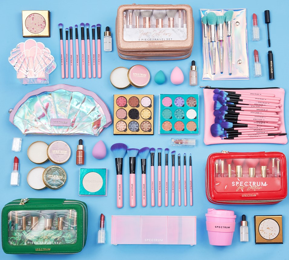🚨 WIN 🚨 Fancy winnin' this HUGE bundle of @Spectrumbrushes goodness? 🤑💸🔥  All you gotta do is: - Make sure you're followin' @beautybay & @Spectrumbrushes 💖 - Like & RT this post ⚡ - Comment a '🧜♀️' below ✨  (T&C's apply 📃: https://t.co/uFx3BtQTF9) https://t.co/iERruPXllj