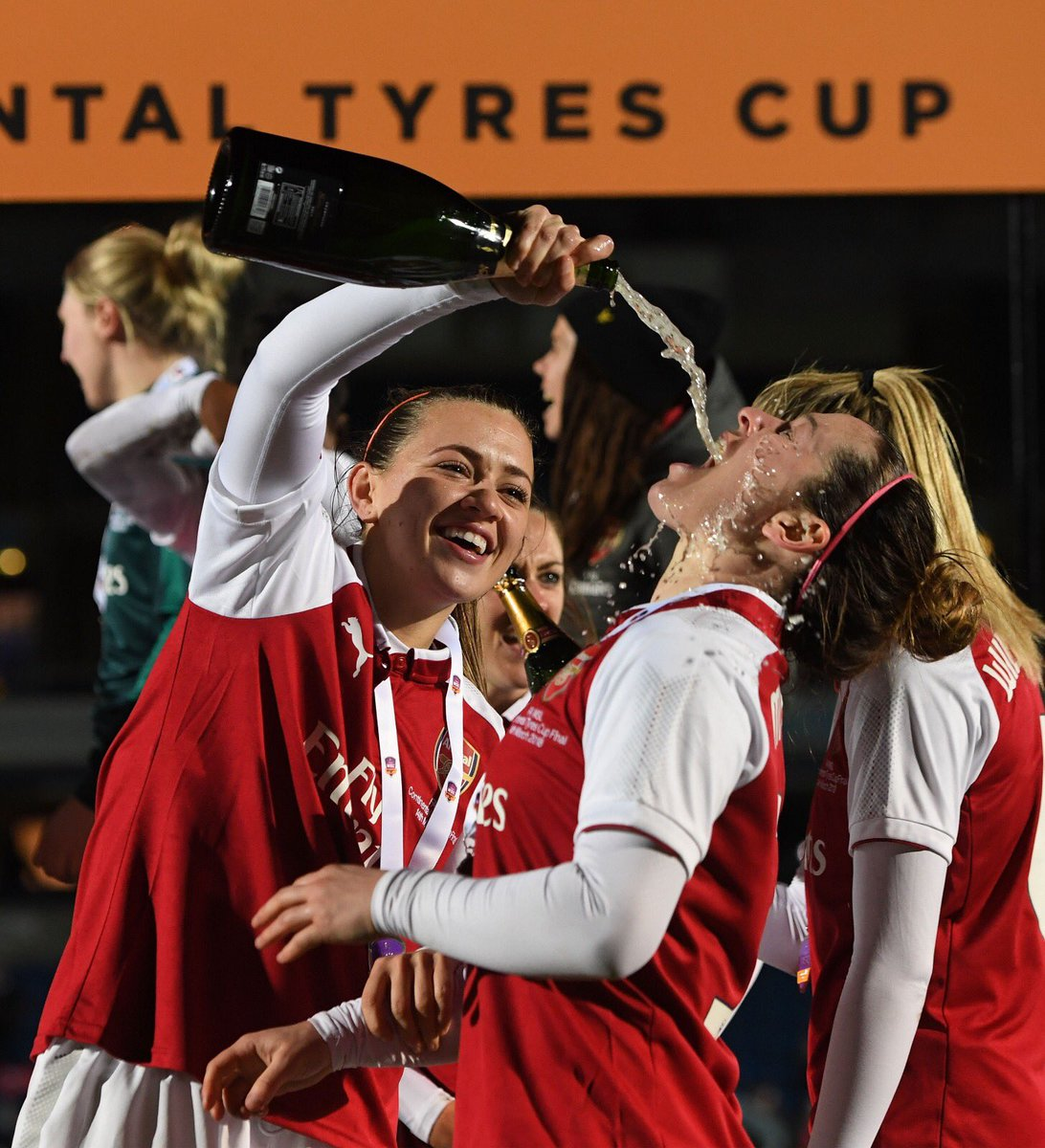 Thanks to all the fans & the girls for the last 7 years - we've had some laugh! @ArsenalWFC https://t.co/5Xk0baY2hA