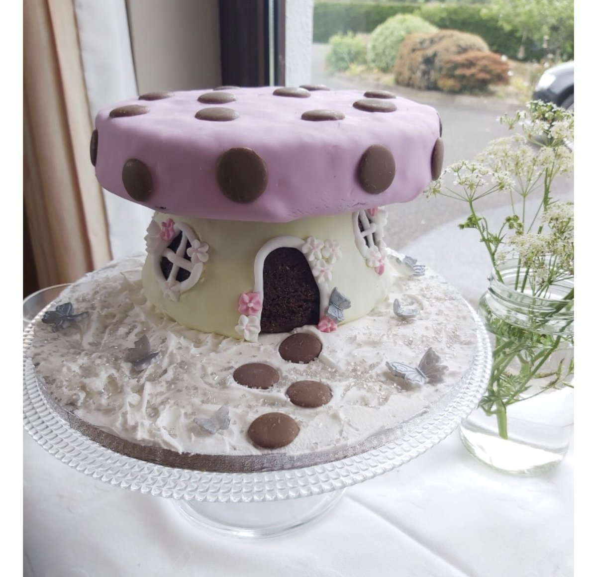 A beautiful entry from Sinead in Wexford of this gorgeous mushroom cake that she made during lockdown as part of #TheGreatCorkBakeOff https://t.co/thRN6qhVfe @TrigonHotels https://t.co/wAW3XAgIhc