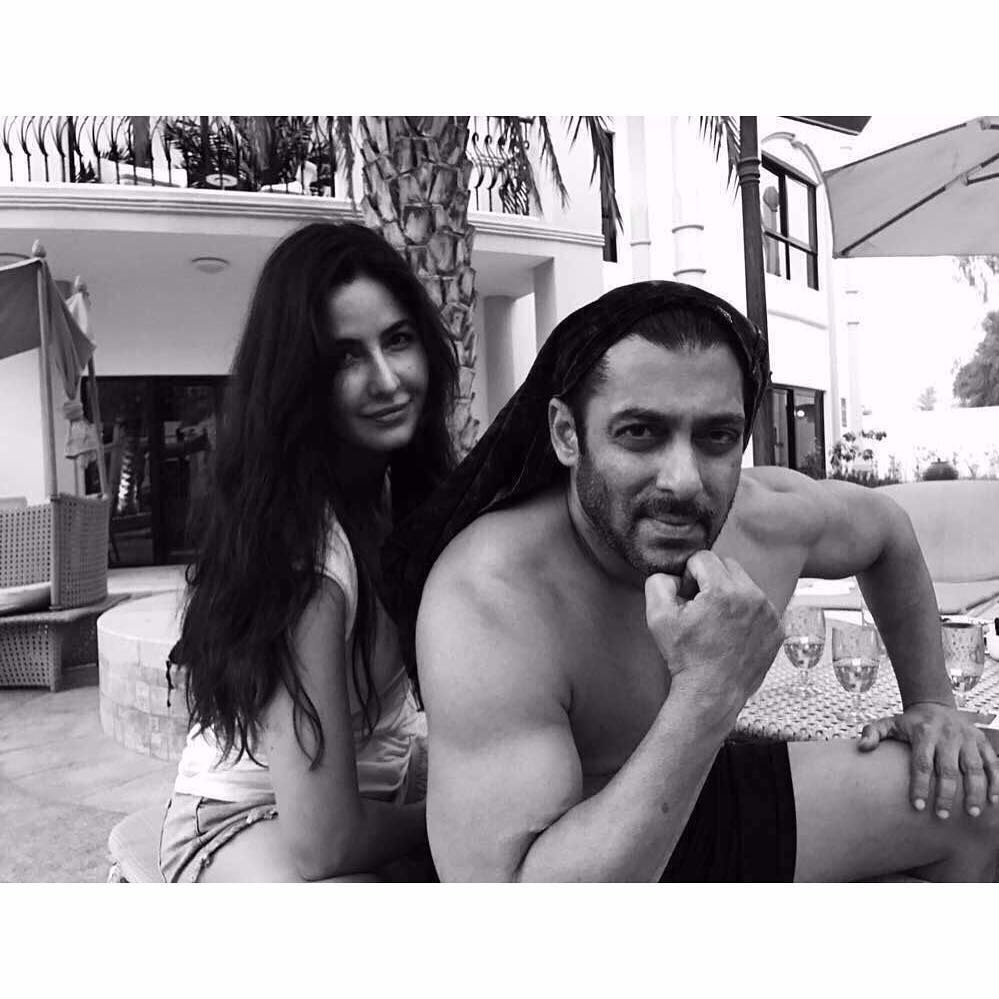 Here's an adorable throwback picture of #KatrinaKaif and #SalmanKhan. #HappyBirthdayKatrinaKaif