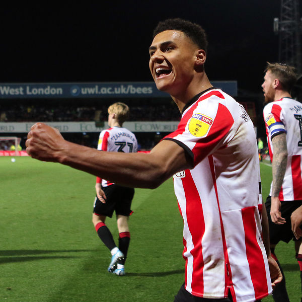 1977-78 Steve Phillips . . . . . . 2018-19 @nealmaupay18  2019-20 Ollie Watkins  Back-to-back league campaigns with a 25-goal striker  #BrentfordFC