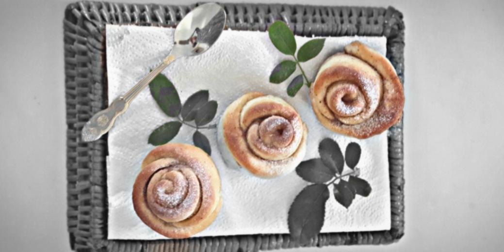 Sweet Cinnamon Roses!! A very quick and easy recipe for your sweet tooth.#cinnamonrolls #cinnamon #cinnamonroll #cinnamonbuns #homemade #dessert #baking #bakery #yummy #foodphotography #delicious #cinnamonrollsjakarta #cinnabon #brownies #bhfyp