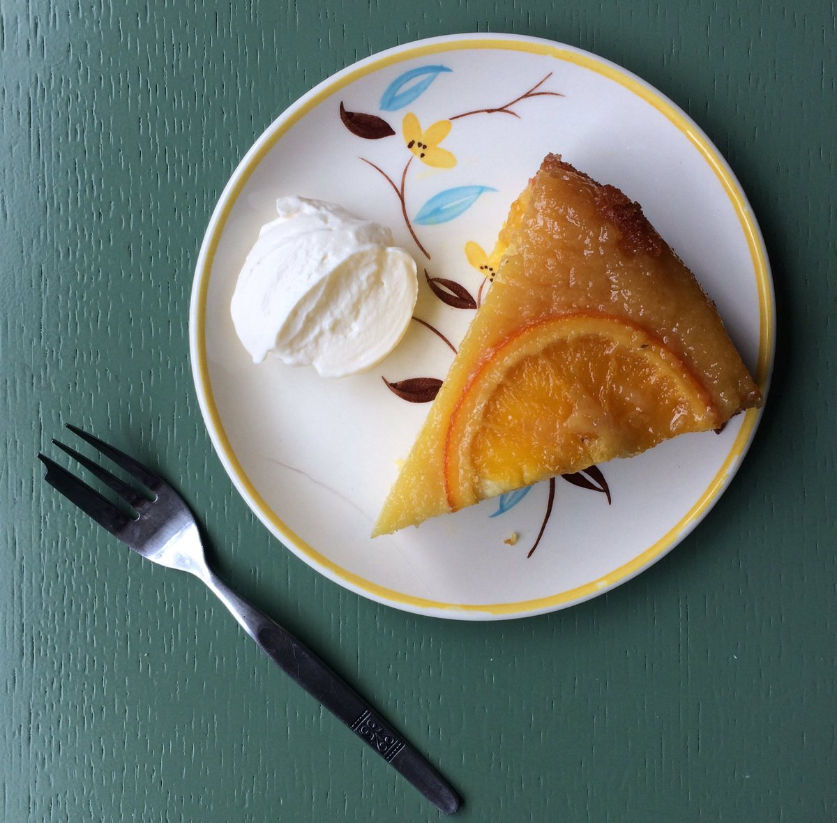 Sardinian style orange cake rocking the desserts this week. To complicate your choice we've also got chocolate torte, affogato with amoretti biscuits or freshly made strawberry sorbet and lemon ice cream. #sheffield #sheffieldissuper<br>http://pic.twitter.com/06yDevnpQ0