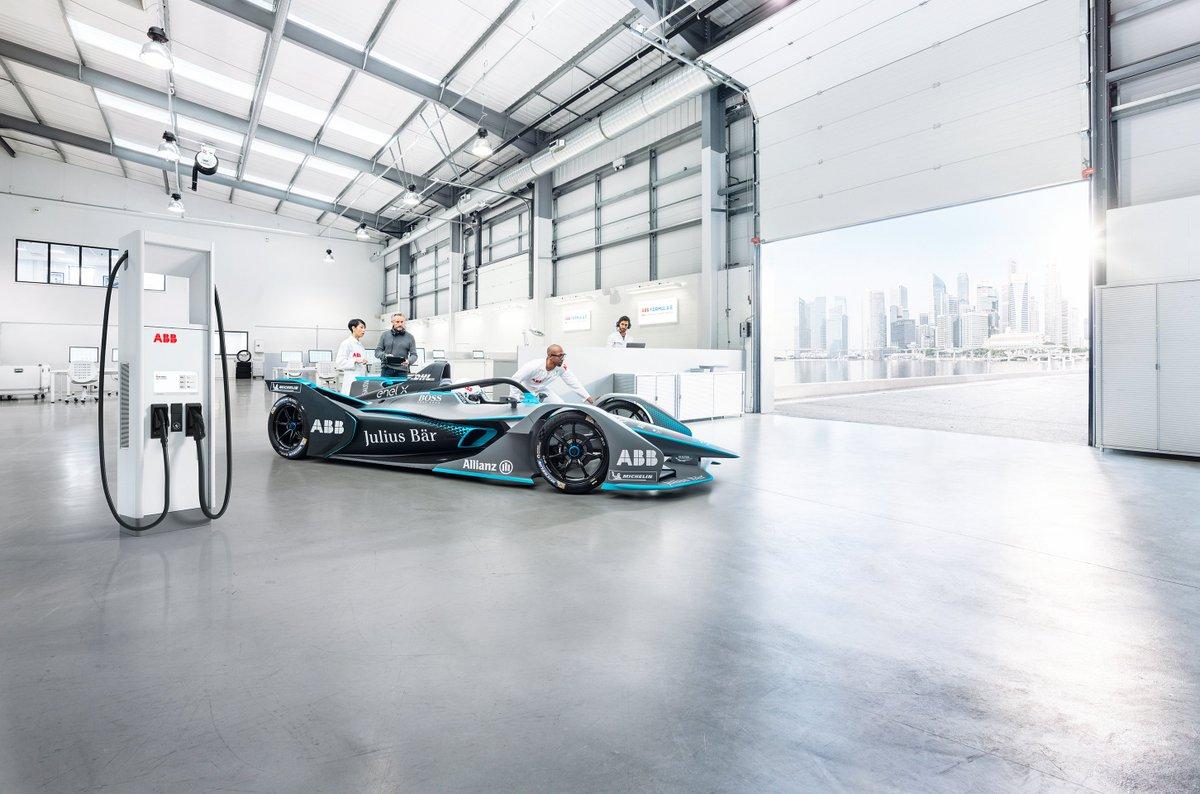 ⚡️🏎️🔋 ABB se enorgullece en anunciar que proveerá la tecnología de carga a los autos Gen 3 que compitan en el Campeonato Mundial #ABB FIA Fórmula E, la primera serie de automovilismo totalmente eléctrica. 🏁  #EVcharging  https://t.co/RWfp2IluRj https://t.co/KLY0wwfsdD