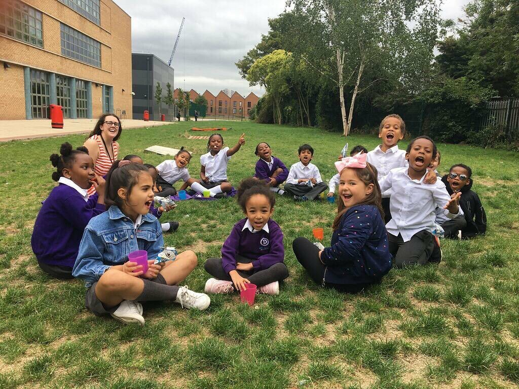 Year One pod loving their end of term picnic! #celebrate https://t.co/AdDrVN6d6I