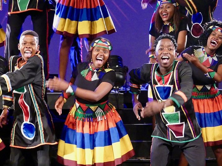 Ndlovu Youth Choir to perform live virtual show on Mandela Day  https:// bit.ly/3euwZGY      #MandelaDay #algoafm<br>http://pic.twitter.com/DSr5qcxpfk