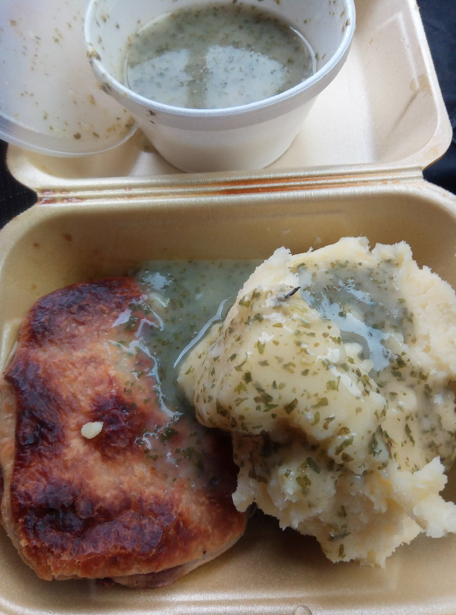 As they say...when in Rome  pie mash and liquor...let's give it a try ..see how it's ranks with our faggotts chips n peas  <br>http://pic.twitter.com/onGugDuQp2