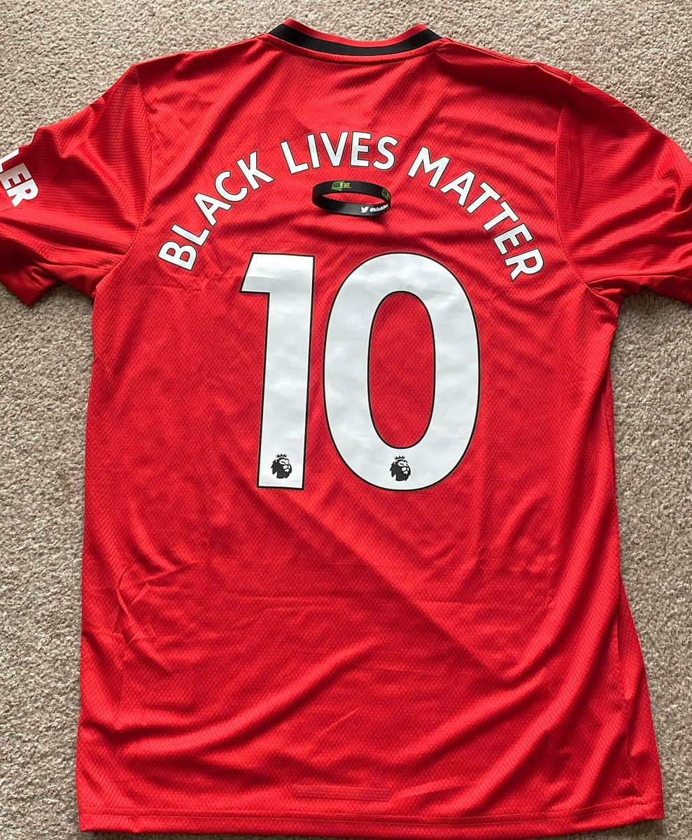 As ⚽️ returned and represented #BLM I was intrigued to hear what clubs would do longer-term outside media and #BlackOutTuesday   Seeing @ManUtd give proceeds to @kickitout was/is a strong step. Undoubtedly crucial to have healthy relationships between non-profits and teams https://t.co/WqIELFTWx0