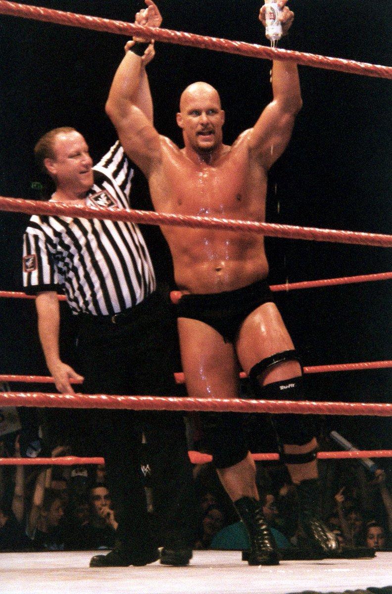 Résultat PWG Stone Cold Steve Austin bat Cm Punk par forfait 3-0 Il avance donc en Demi-finale contre Fallah Bahh