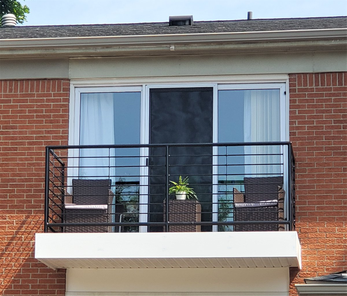 We are excited to announce that our balcony renovation project is almost complete! We are thrilled that our 2nd floor residents are taking care of and enjoying their new balconies. Take a look at this super simple but very chic brand new balcony! pic.twitter.com/pHY9ElMTmf
