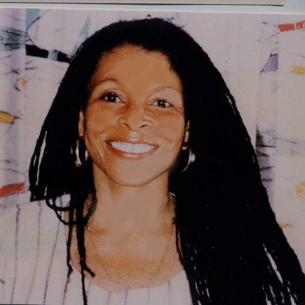 Take some time today to send good vibes to black national revolutionary and political exile Assata Shakur. Today is her birthday. If you don't know who she is please read her autobiography and watch the documentary Eyes of the Rainbow -  https:// youtu.be/rfXGIS3EKxs    <br>http://pic.twitter.com/wbFKa6bMKI