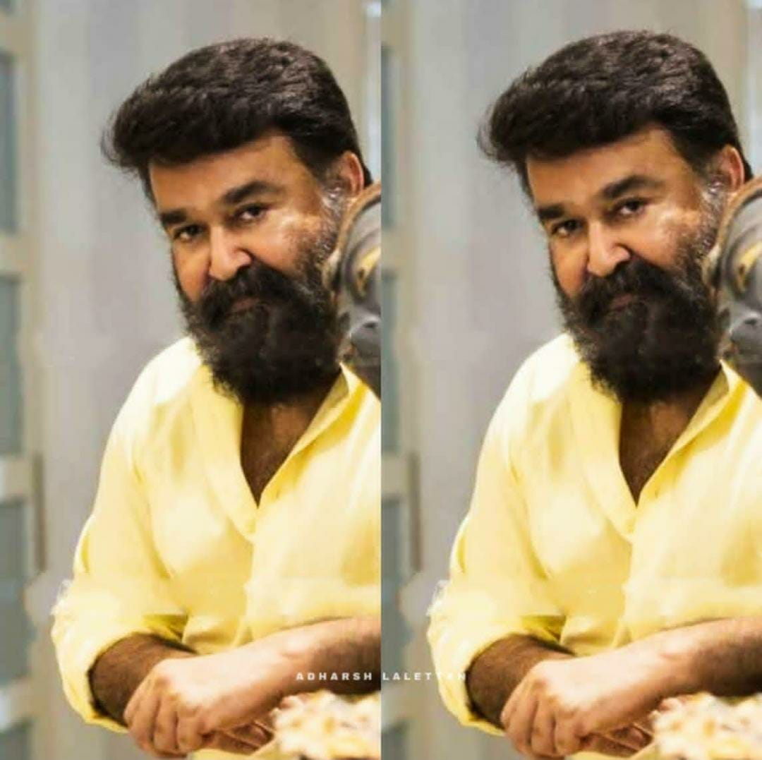 """#34YearsOfRajavinteMakan  """" My phone Number is 2255 !! """"    ThisDialogue is lead to the rise of a SUPERSTAR..   His name is MOHANLAL  <br>http://pic.twitter.com/PqTW8o5gNe"""