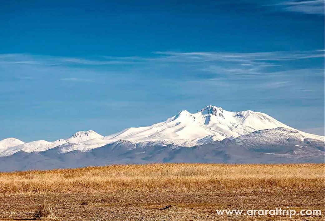Mount #ERCIYES (3917 m) - volcanic #mountain located in #Cappadocia, south of Kayseri, #Turkey.     #outdoors #adventure #travel #trekking #ararattrip #landscapes #nature #naturephotography #discoverearth #travelagain #dontcancelrebook #travelpostcovid