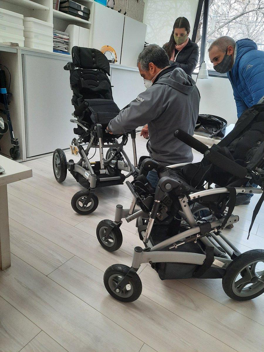Por fin el dia esperado, ajustando SU silla.. @IOMAgba @IneEstevez @RED92cadadiamas #silla #discapacidad #inclusion https://t.co/wbqBKXAdQq