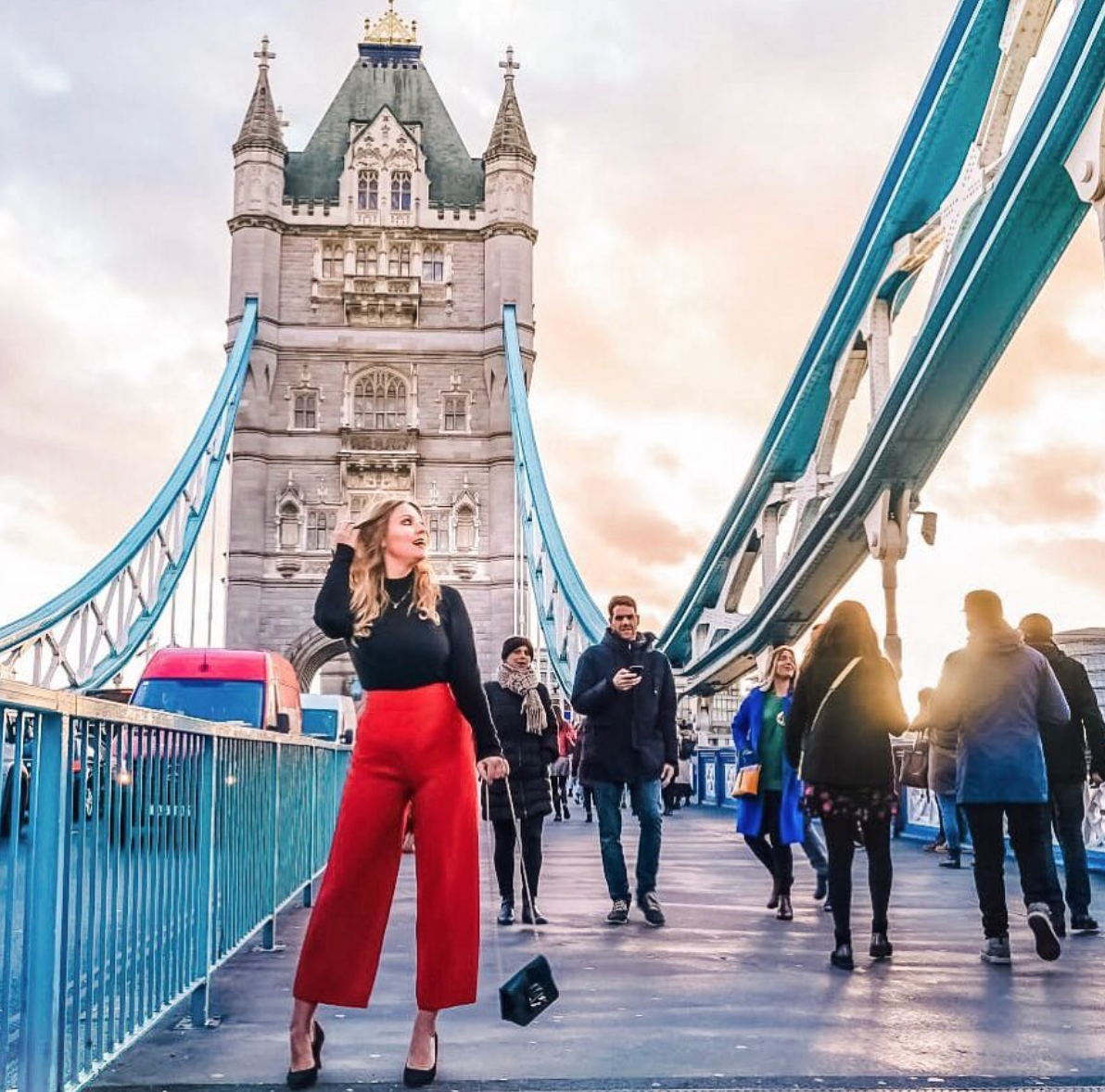 📸 @a_girlwhotravels captured a gorgeous shot of the Tower Bridge in London! 😍  #london #towerbridge #explore #travel #photography #fashion #sunset