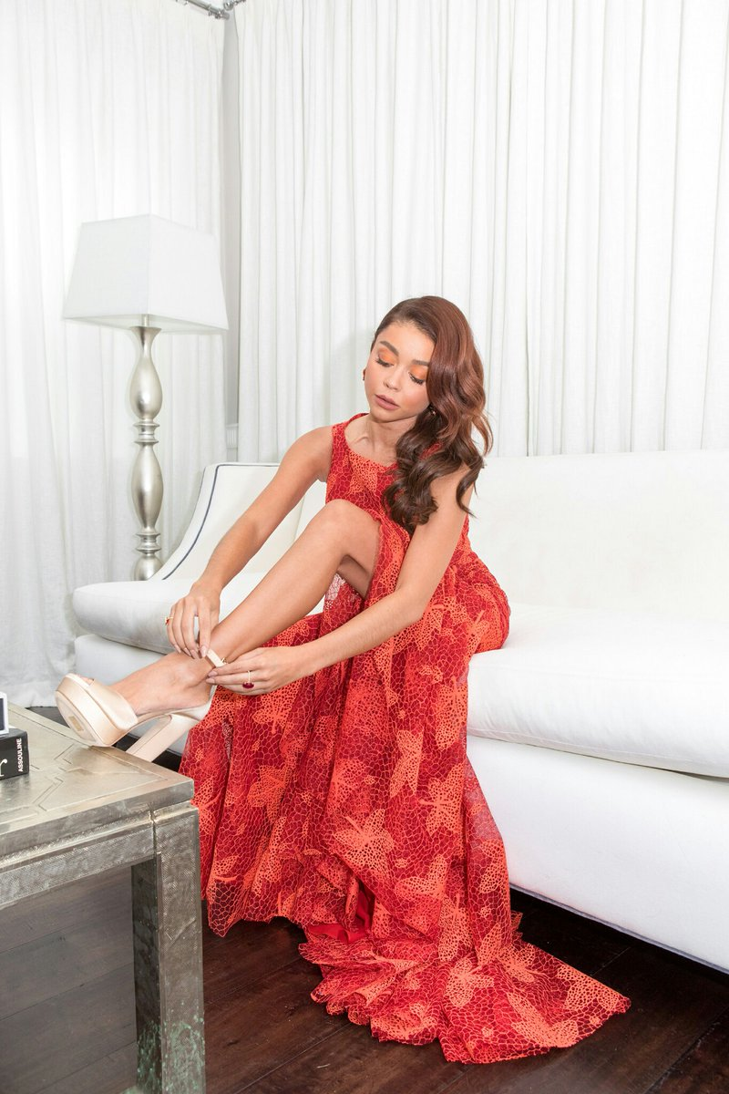 Time for my daily Sarah Hyland session 🍆🍆💦💦 Think I'm gonna give extra attention to her perfect little feet today 😍 https://t.co/Zq3kaOgTtx