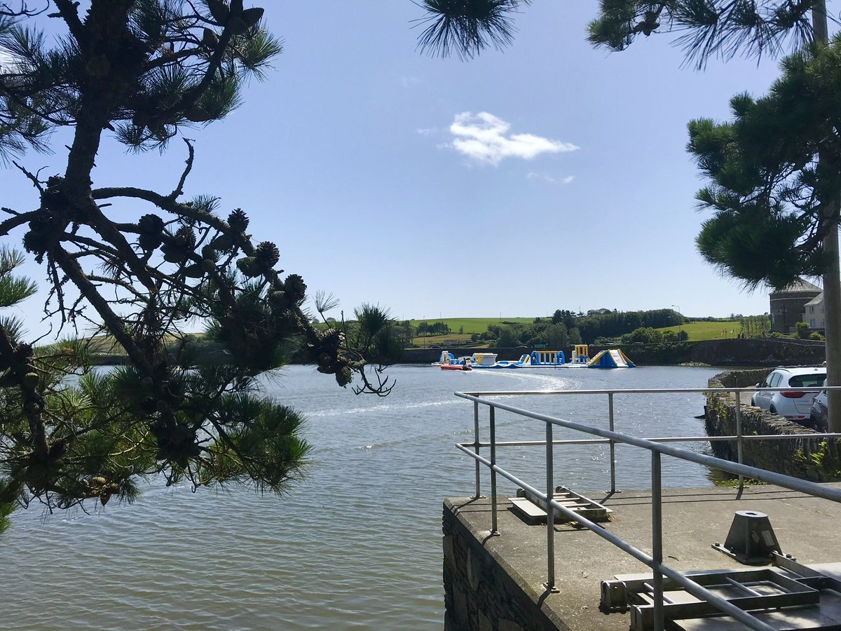 Great fun for all in #WestCork today in Rosscarbery and beautiful Clonakilty. #wateractivity #sup #waterpark #loveCork #PureCork #PureCorkWelcomes https://t.co/GVgNbeNwr9