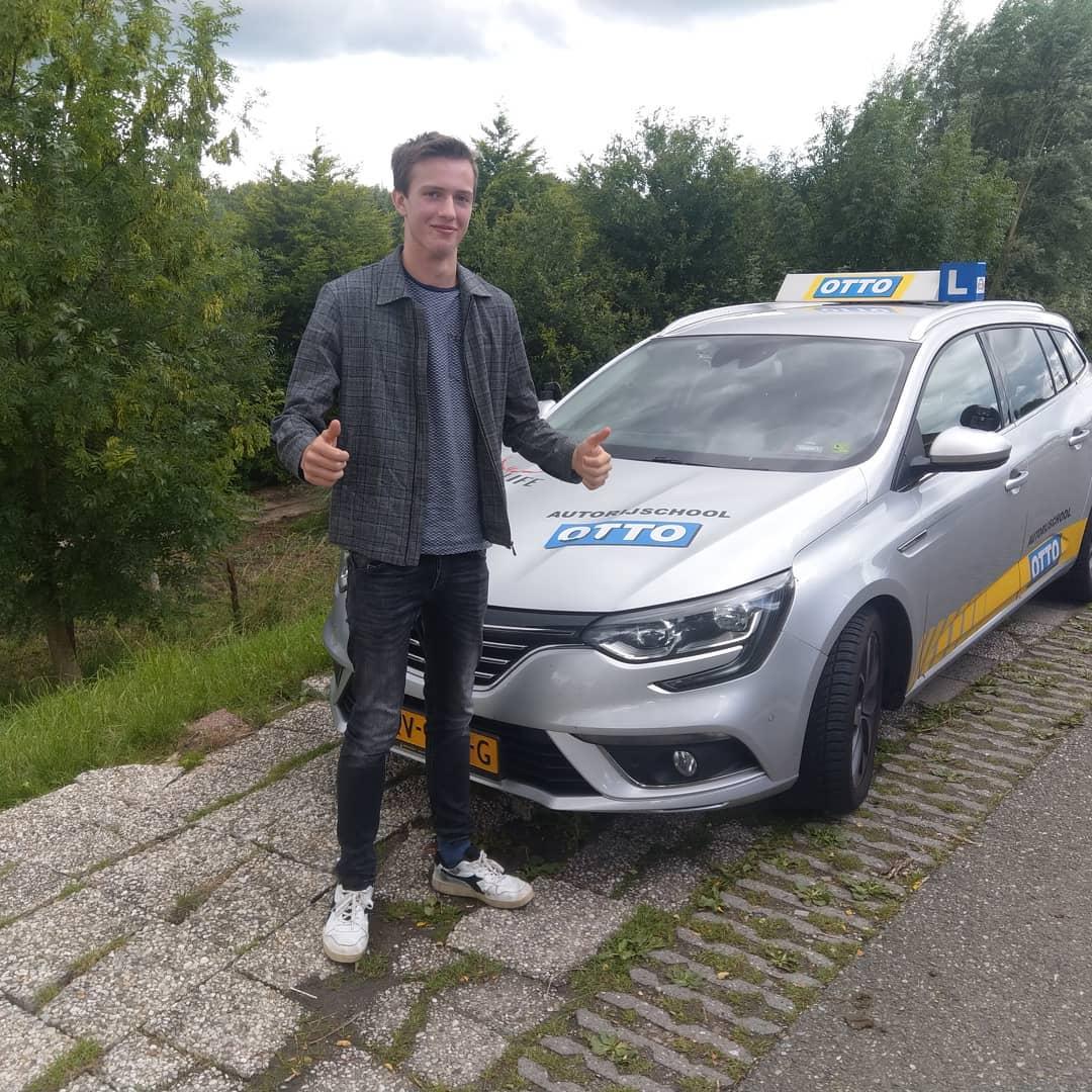 test Twitter Media - Ruben Vos gefeliciteerd met het behalen van je rijbewijs. Veel succes met je nieuwe studie. https://t.co/3lfxTmNuMf