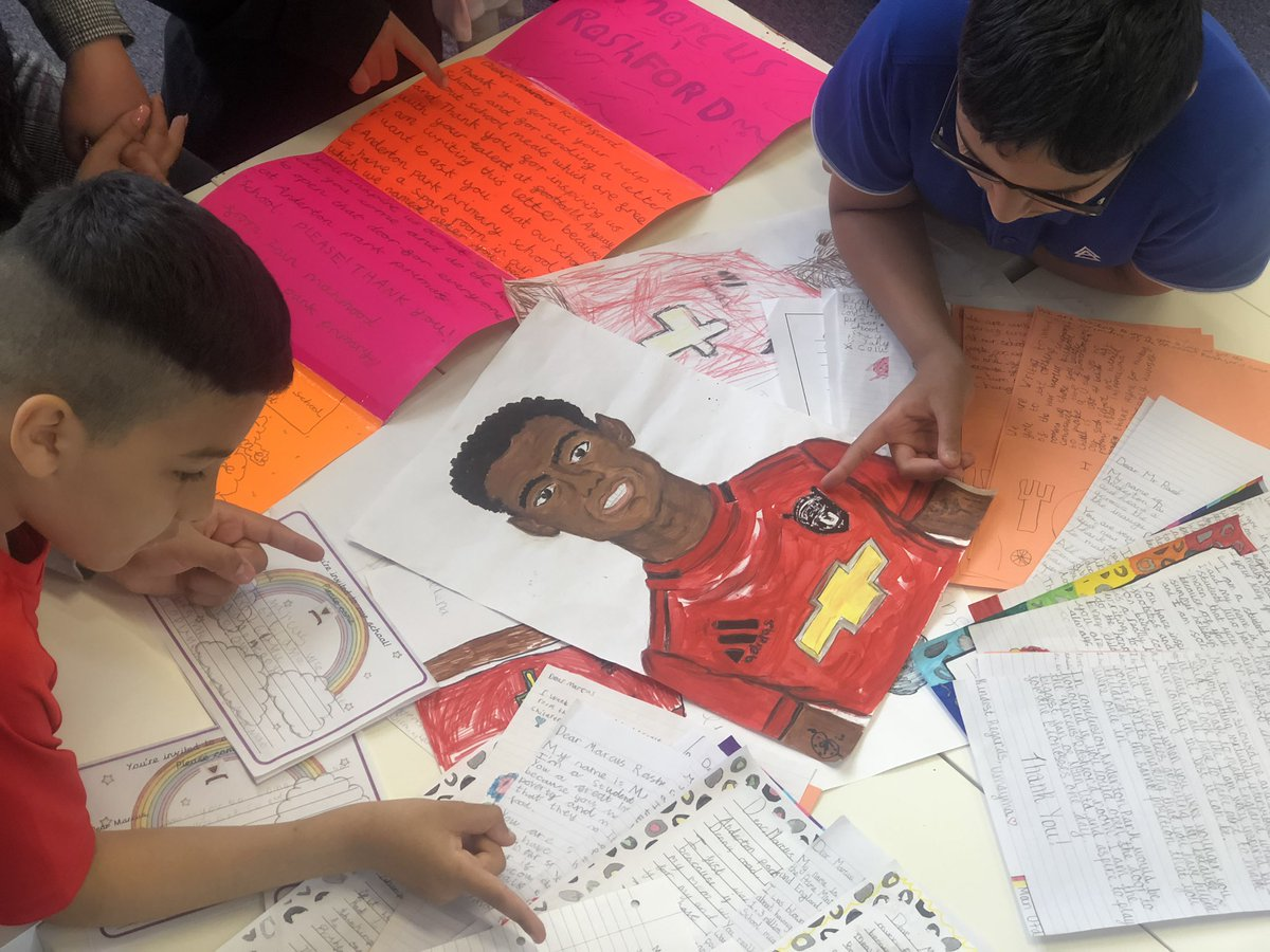 Collecting all our letters for @MarcusRashford from us all @AndertonPark . We have The Marcus Rashford Room now- you have inspired us! https://t.co/voI6ZW5UZT