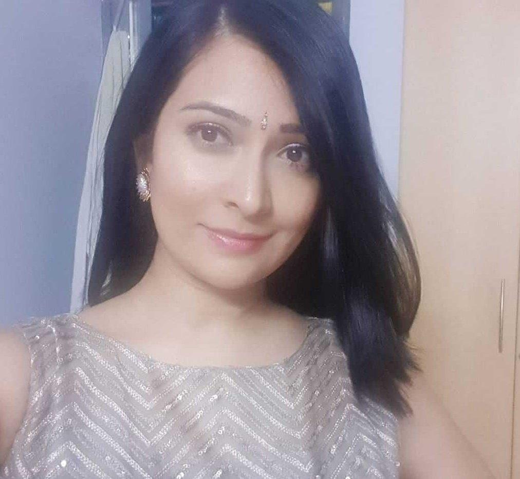 A selfie for the weekend #Radhikapandit #nimmaRP #TheNameIsYash #Lovepic.twitter.com/0MJD4Ldb4h