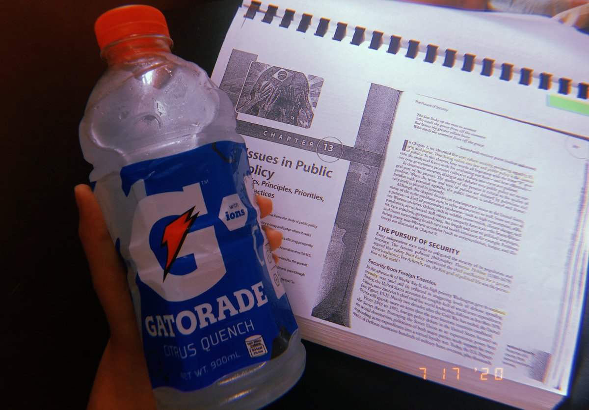 Studying for hours can also be mentally and physically draining. Thanks to Gatorade Ion, I have a way to replenish and restore the lost energy in my body! 💙 @bernardokath @GatoradeIon #EverydayHydratION