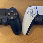 PS5のコントローラー、PS4のものと比べるとこんな感じに!