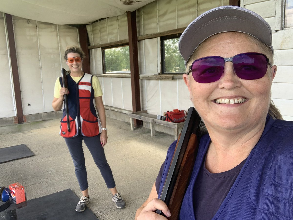 A fab way to spend a Friday! Shooting #OlympicTrap with my fab friend @EmmaJaneRalph at @nuttyclayspic.twitter.com/JKgRhlKOKz