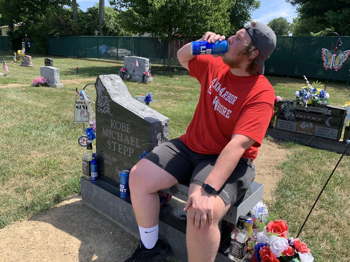 Had to come have a beer w my dude on my 21st🖤