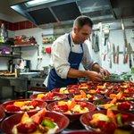 Image for the Tweet beginning: En cuisine avec Mickael Bougault