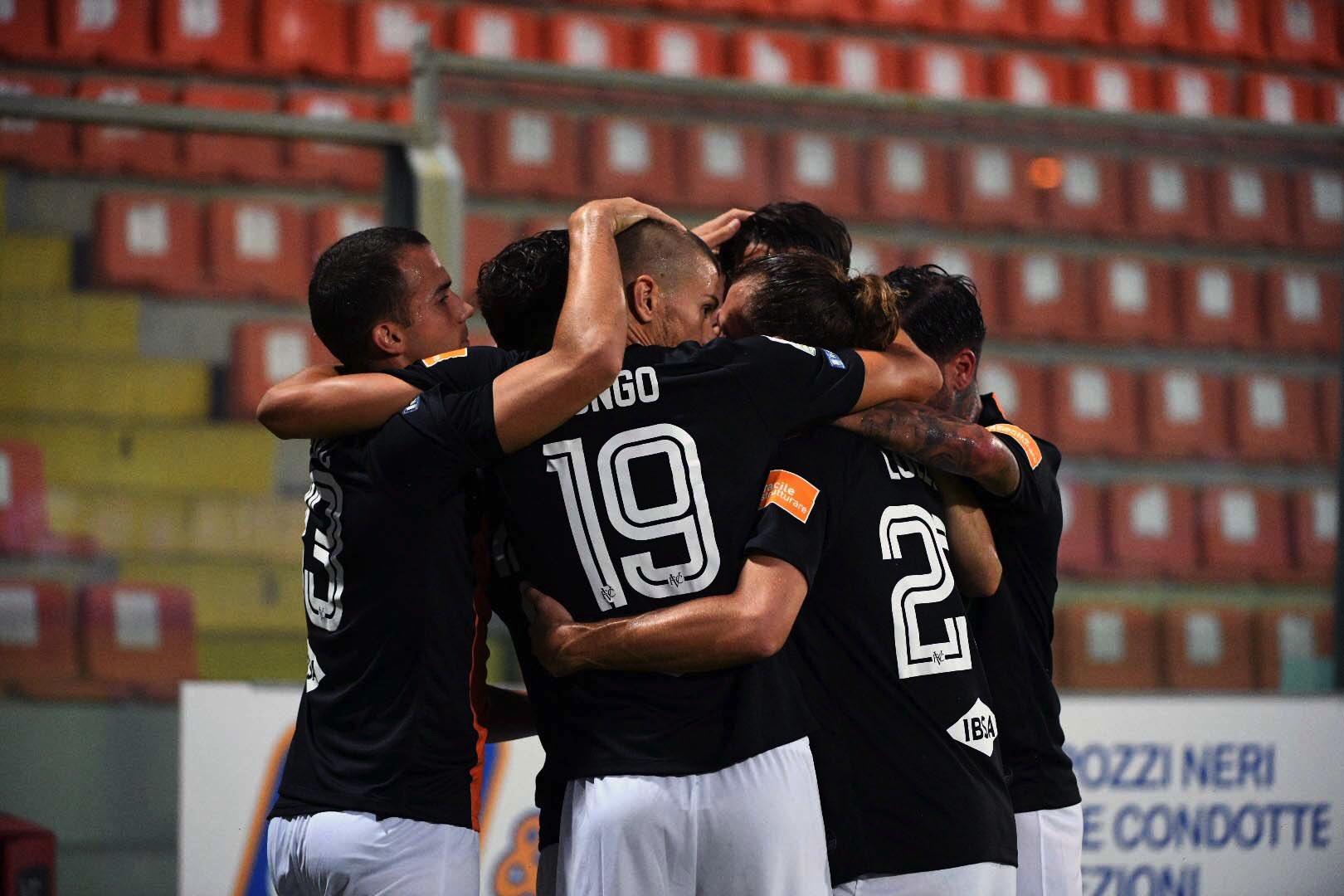 Aramu non sbaglia dagli 11 metri e porta in vantaggio i suoi; Spezia-Venezia 0-1.