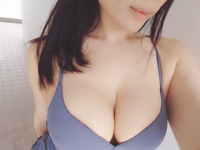 コスプレイヤー岡田ゆいのTwitter自撮りエロ画像13