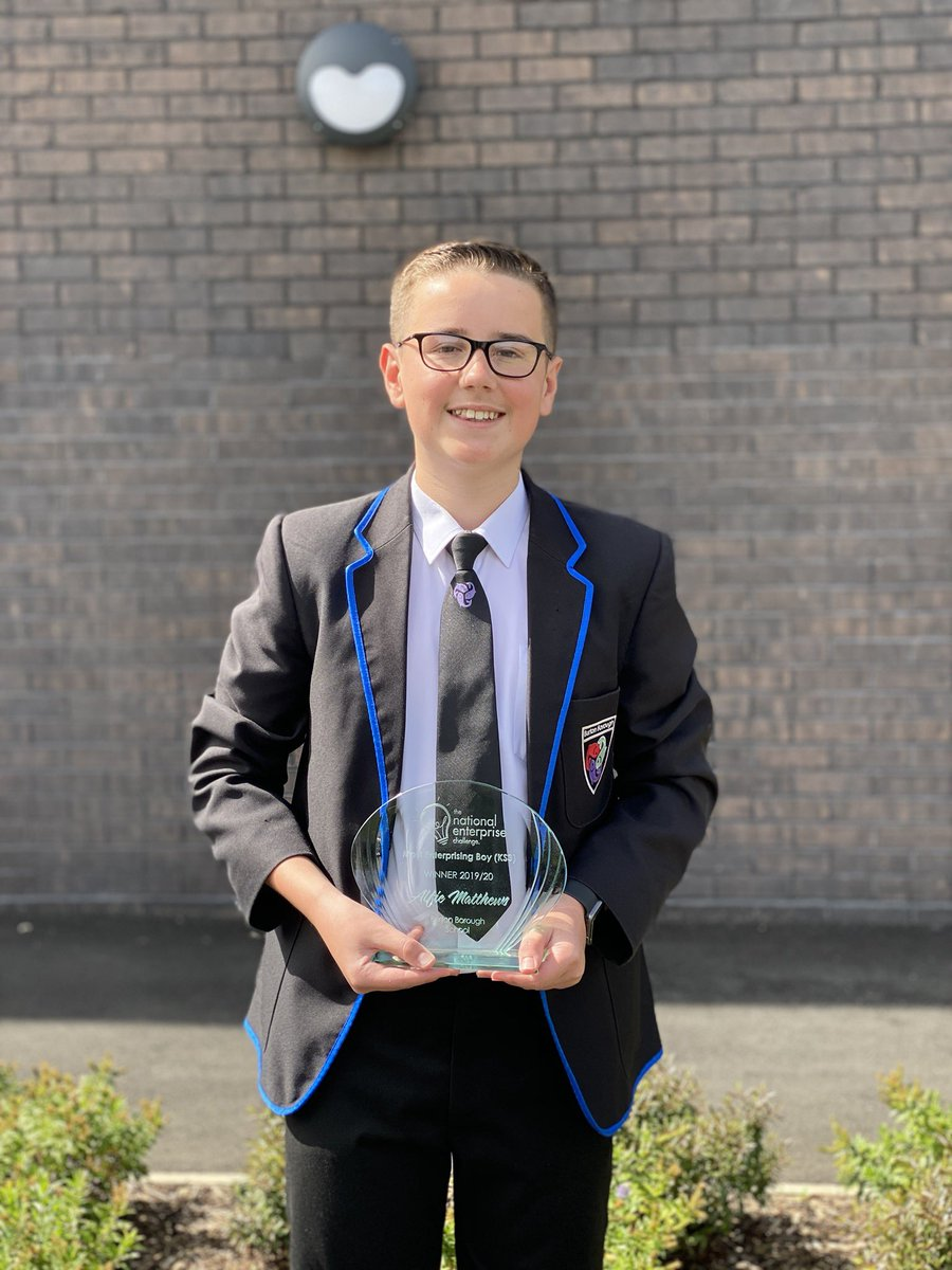 Congratulations to AM for winning 'Most Enterprising KS3 Boy at the National Enterprise Challenge @_tnec this year! 250 schools/20000 students participated! Wow! A huge well done to the @BurtonBorough team who came top 5 too! #oneproudhead 🐟🐟🐟 https://t.co/IGBzUEz5v3