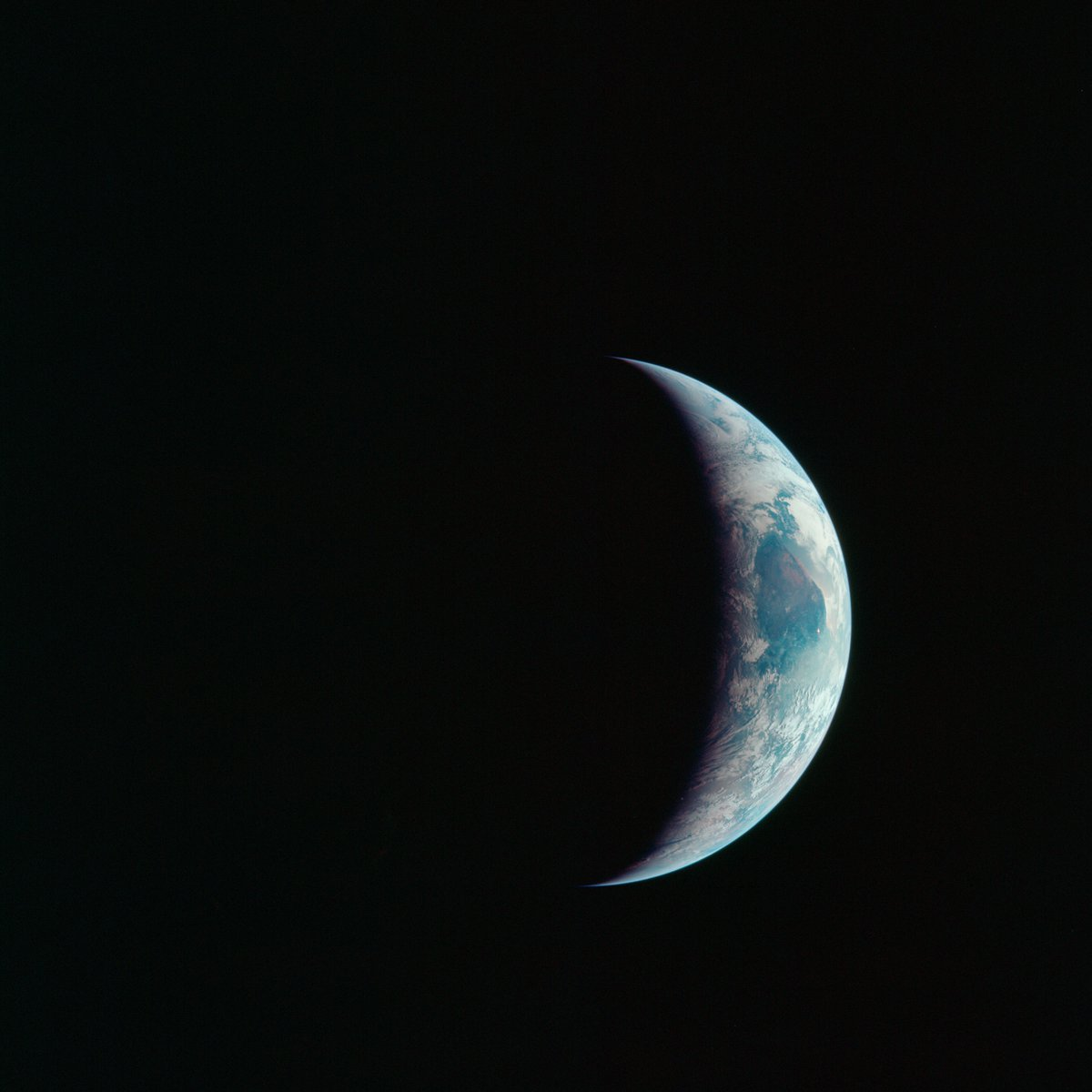 Start off your Saturday with this view of the Earth's sphere partly illuminated as photographed from the Apollo 11 spacecraft during its lunar landing mission. https://t.co/FwdHcN1X05