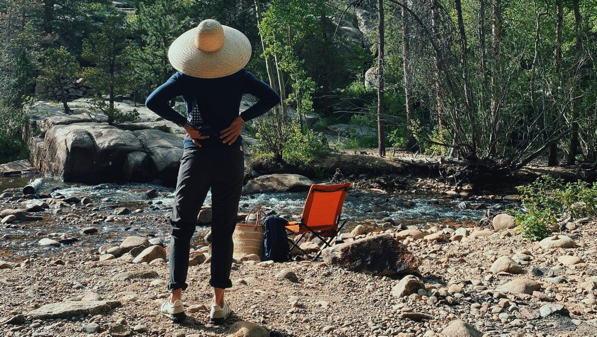 Boulder Fjällräven Guide and classically trained chef, Lentine Alexis walks us through preparing her Cast-Iron Wild Pizza. A nature inspired meal to nourish yourself after a day out on the trail or on your front porch. https://t.co/Bb5wHQbjVl | #natureiswaiting https://t.co/k3NkN7CZ6v