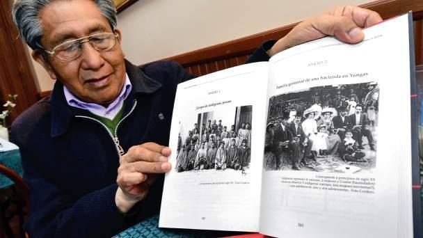 La Asociación de Estudios Bolivianos (AEB) expresa su pesar y sus condolencias a la familia de Roberto Choque, historiador miembro de nuestra asociación.   Paz en su tumba. https://t.co/XiUOC8ruIF